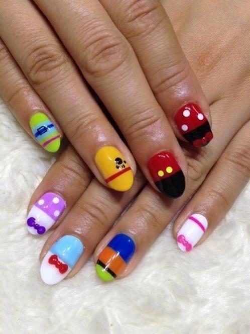 60 Disney Themed Nail Art Ideas 61