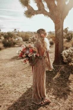 60 Gold Glam Wedding Dresses Inspiration 08