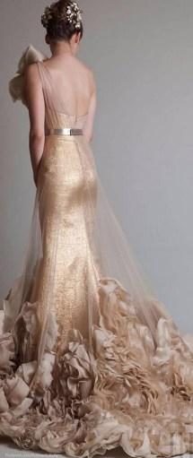60 Gold Glam Wedding Dresses Inspiration 20