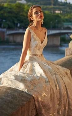 60 Gold Glam Wedding Dresses Inspiration 43