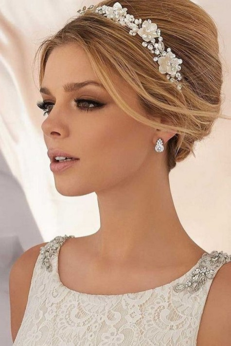 60 Inspiring Natural Bridal Look 13