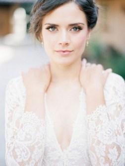 60 Inspiring Natural Bridal Look 31