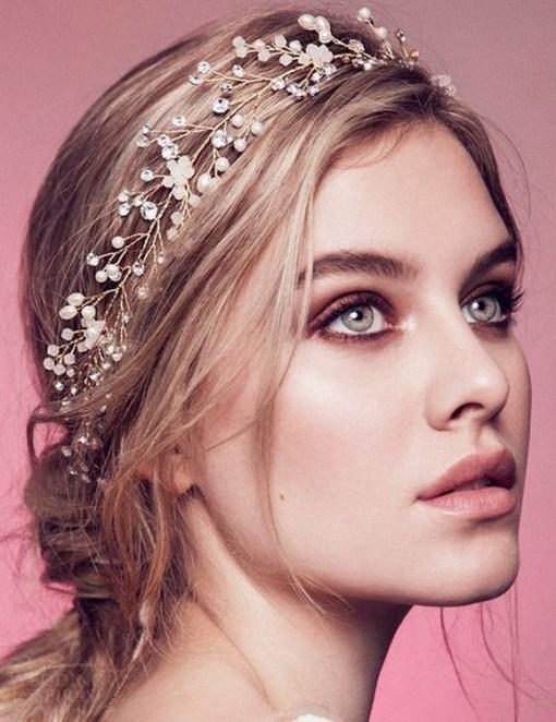 60 Inspiring Natural Bridal Look 33
