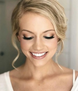 60 Inspiring Natural Bridal Look 35