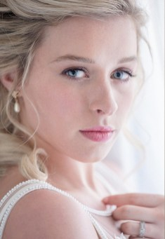 60 Inspiring Natural Bridal Look 55