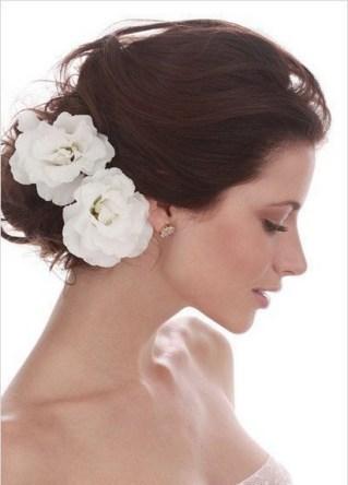 60 Inspiring Natural Bridal Look 57