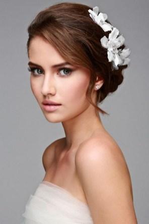60 Inspiring Natural Bridal Look 58