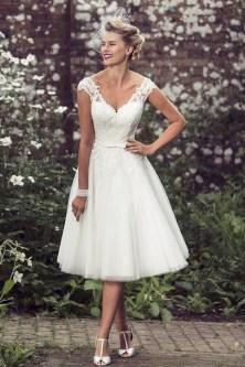 60 Simple Vintage Wedding Dress Ideas 36