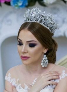 70 Elegant Bridal Crown Wedding Ideas 24