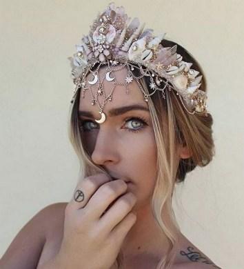 70 Elegant Bridal Crown Wedding Ideas 25