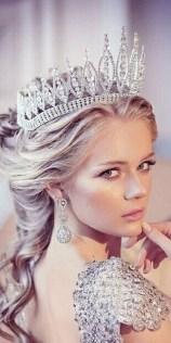 70 Elegant Bridal Crown Wedding Ideas 28