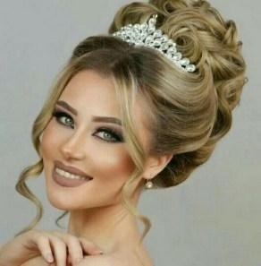 70 Elegant Bridal Crown Wedding Ideas 36