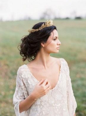 70 Elegant Bridal Crown Wedding Ideas 41