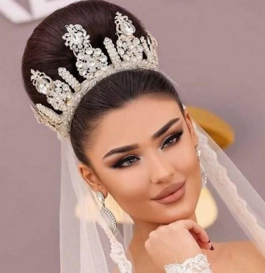 70 Elegant Bridal Crown Wedding Ideas 67