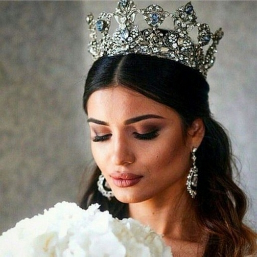 70 Elegant Bridal Crown Wedding Ideas 68