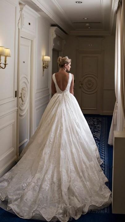 80 Adorable V Shape Back Wedding Dresses You Need to See 13