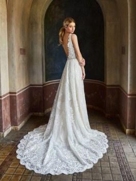 80 Adorable V Shape Back Wedding Dresses You Need to See 79