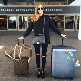 90 Comfy and Fashionable Travel Airport Outfits Looks 19