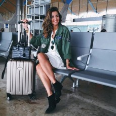 90 Comfy and Fashionable Travel Airport Outfits Looks 31
