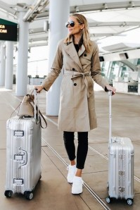90 Comfy and Fashionable Travel Airport Outfits Looks 34