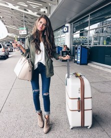 90 Comfy and Fashionable Travel Airport Outfits Looks 43