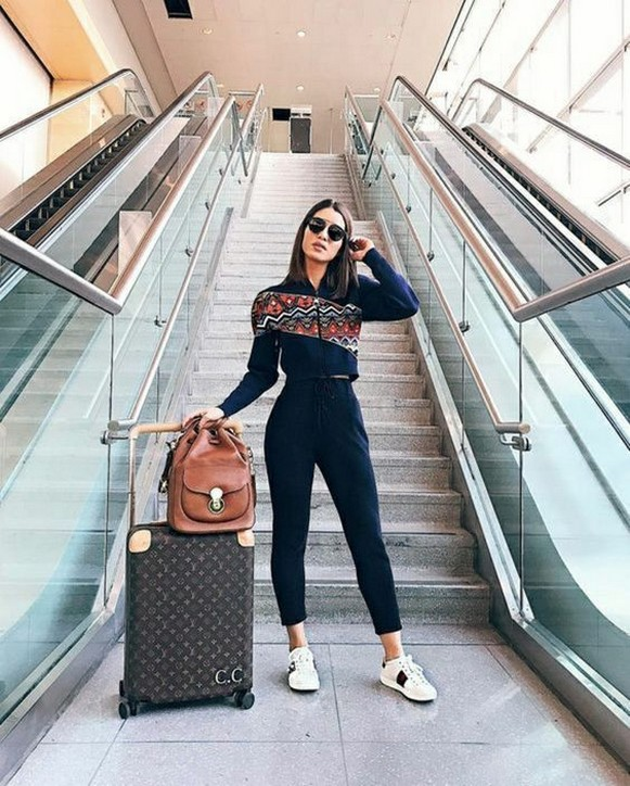90 Comfy and Fashionable Travel Airport Outfits Looks 48