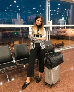 90 Comfy and Fashionable Travel Airport Outfits Looks 65