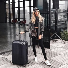 90 Comfy and Fashionable Travel Airport Outfits Looks 86