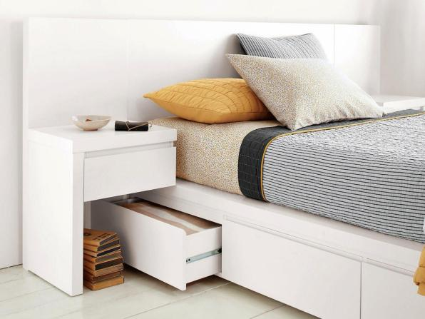 35 Bedroom Storage Ideas Small Spaces for Womens 03