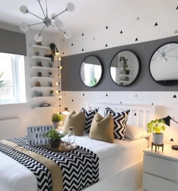 35 Bedroom Storage Ideas Small Spaces for Womens 04