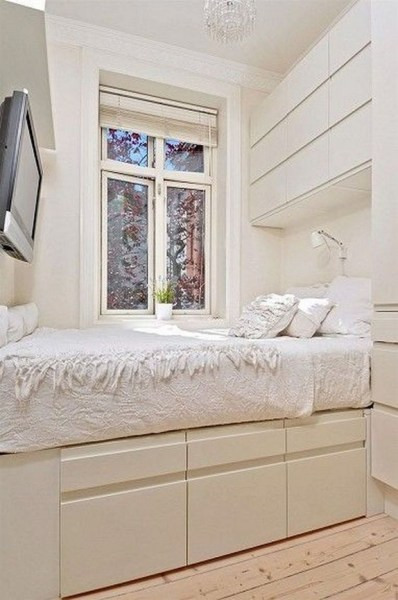 35 Bedroom Storage Ideas Small Spaces for Womens 16