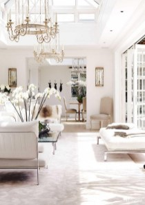 40 Comfy and Luxurious Living Room You Need to See 11