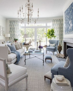 40 Comfy and Luxurious Living Room You Need to See 21