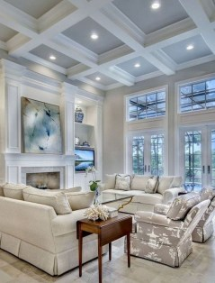 40 Comfy and Luxurious Living Room You Need to See 37