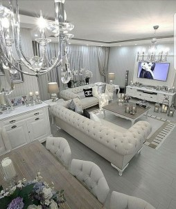 40 Comfy and Luxurious Living Room You Need to See 44