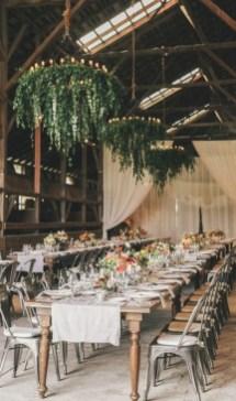 40 Romantic Rustic Barn Wedding Decoration Ideas 23