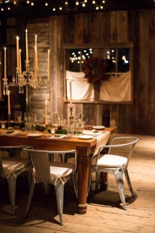 40 Romantic Rustic Barn Wedding Decoration Ideas 28