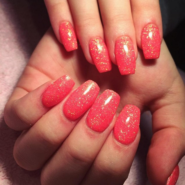50 Acrylic Nails Ideas with Glitter Which You Love 23
