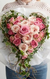 50 Romantic Valentines Flowers You Need to See 43