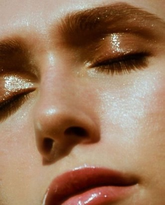 50 Shimmering Eye Makeup for Party Ideas 08