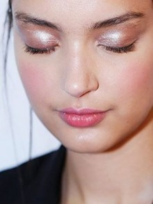 50 Shimmering Eye Makeup for Party Ideas 15