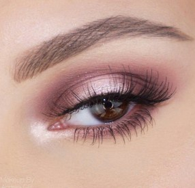 50 Shimmering Eye Makeup for Party Ideas 21