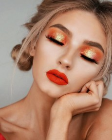 50 Shimmering Eye Makeup for Party Ideas 22