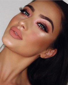 50 Shimmering Eye Makeup for Party Ideas 30