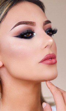 60 Lovely Makeup For Valentines Day Look Ideas 31