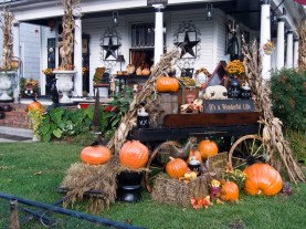 60 Nice Home Decor to Make Your House Stand Out This Halloween 20