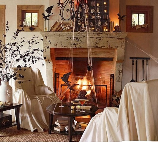 60 Nice Home Decor to Make Your House Stand Out This Halloween 27
