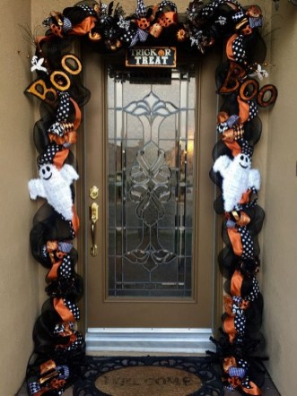 60 Nice Home Decor to Make Your House Stand Out This Halloween 33