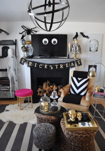 60 Nice Home Decor to Make Your House Stand Out This Halloween 54