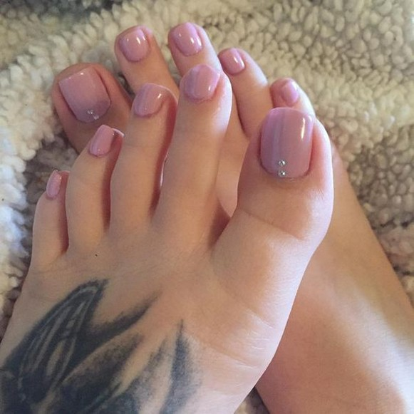 50 Ideas lovely Pink Toe Nail Art for Valentines Day 36